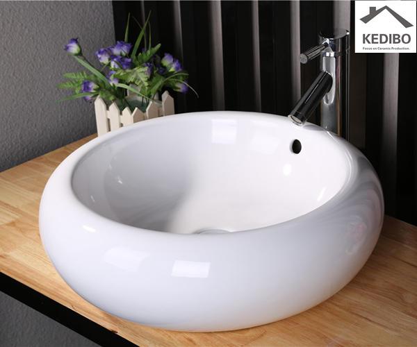 Round Design CE Ceramic Basin 7002