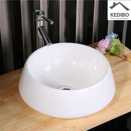 China Round Bathroom Super White Ceramic Basin 7024
