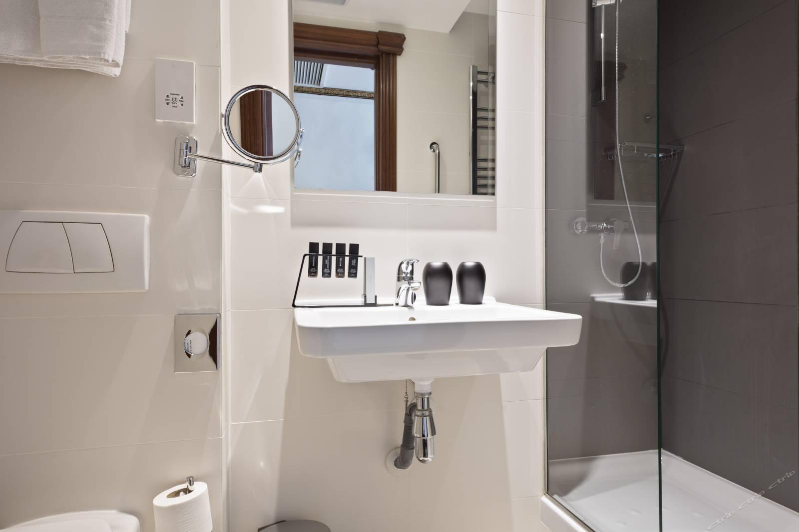 glossy white KEDIBO Brand wall hung wash basin